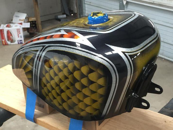 bobber-tank-right